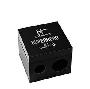 IT COSMETICS 2 in 1 Superhero Pencil Sharpener